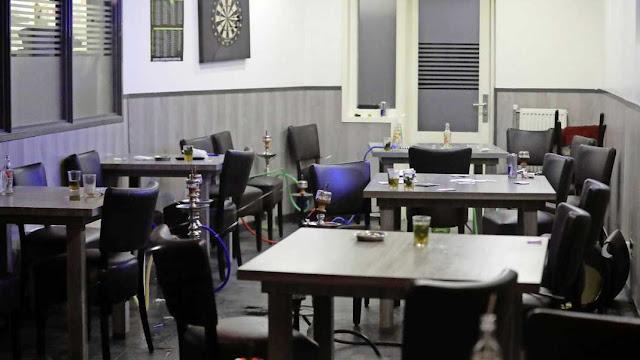 """هولندا.. صالة الشيشة في لاهاي """"مفتوحة"""" رغم قرارات الحظر بسبب كورونا، والشرطة تداهم المكان"""