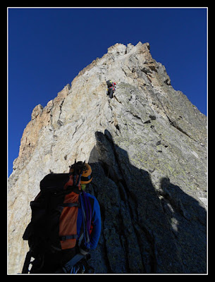 Escalando en Salenques, camino del Aneto...