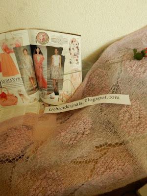roze sjaals,roze stola, roze shawls.