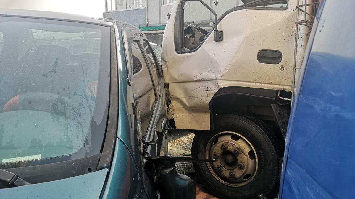 Seyir halindeyken bayılan sürücü kaosa neden oldu