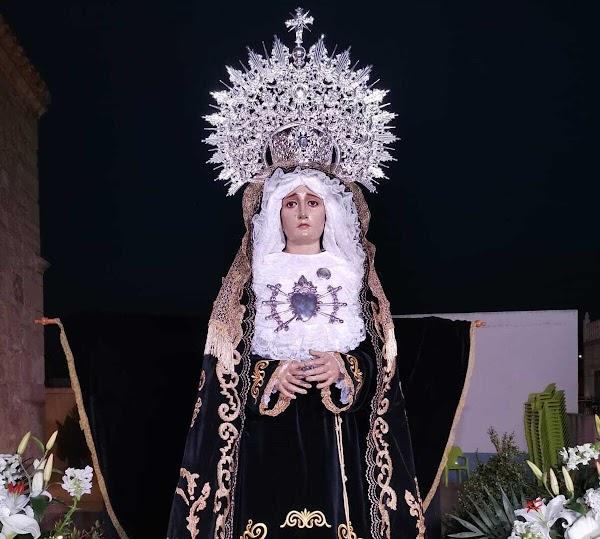 La Virgen vuelve a abrir sus brazos para bendecir a Turre en el Viernes de Dolores