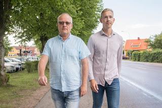 Bild framifrån på Hyresgästföreningens förhandlare  Håkan Skött och Ludvig Möller.