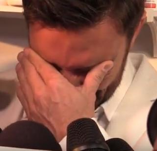 """""""Los hombres también padecemos, sentimos y lloramos"""". Julián Gil"""