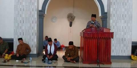 Ketua DPRD Lutra Janji Bantu Rp40 Juta Pembangunan Masjid Sumber Ase
