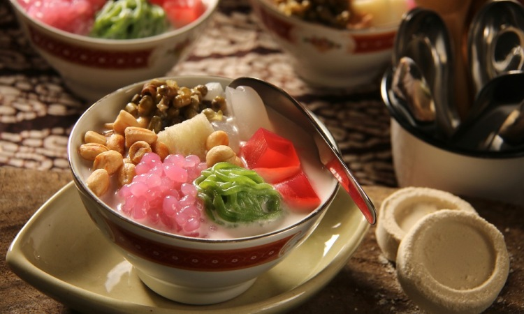 28 Minuman & Makanan Khas Jakarta yang Populer