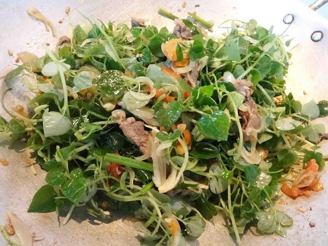 Top 5 Vietnamese Salads for hot summer days 4