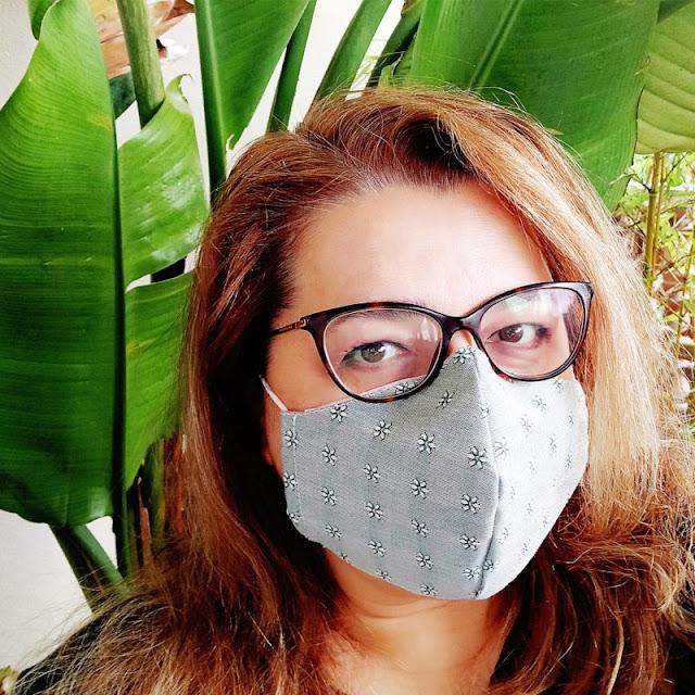 Mascherina ergonomica con ferretto sul naso e tasca per filtro