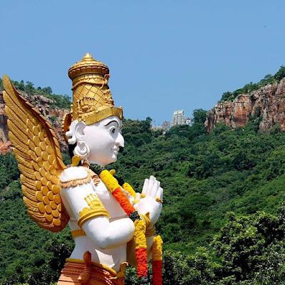 , ഗരുഡ ദർശന മന്ത്രം Garuda Darshan Mantra Malayalam Lyrics, The World Live Breaking News Coverage & Updates IN ENGLISH