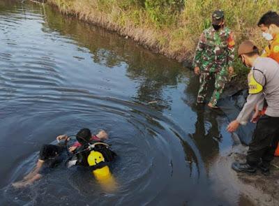 Lagi Bermain Bola di Tepi Kolam, Remaja Tenggelam Ditemukan Meninggal