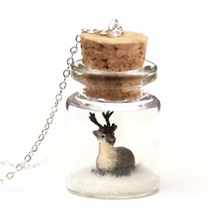 https://www.etsy.com/uk/listing/551565968/reindeer-necklace-winter-terrarium