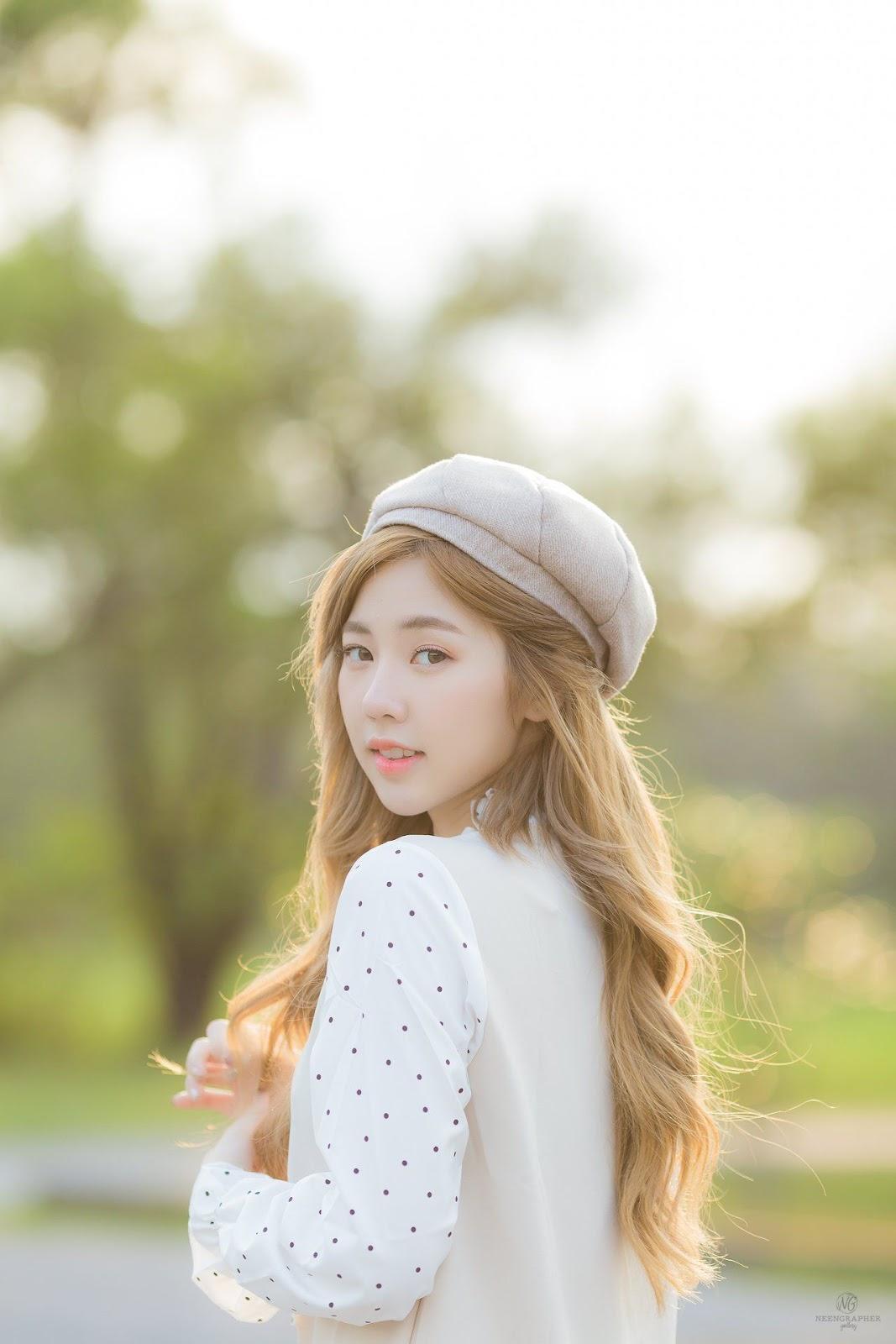 Thailand cute model Nilawan Iamchuasawad - Beautiful girl in the flower field - Photo by จิตรทิวัส จั่นระยับ - Picture 5