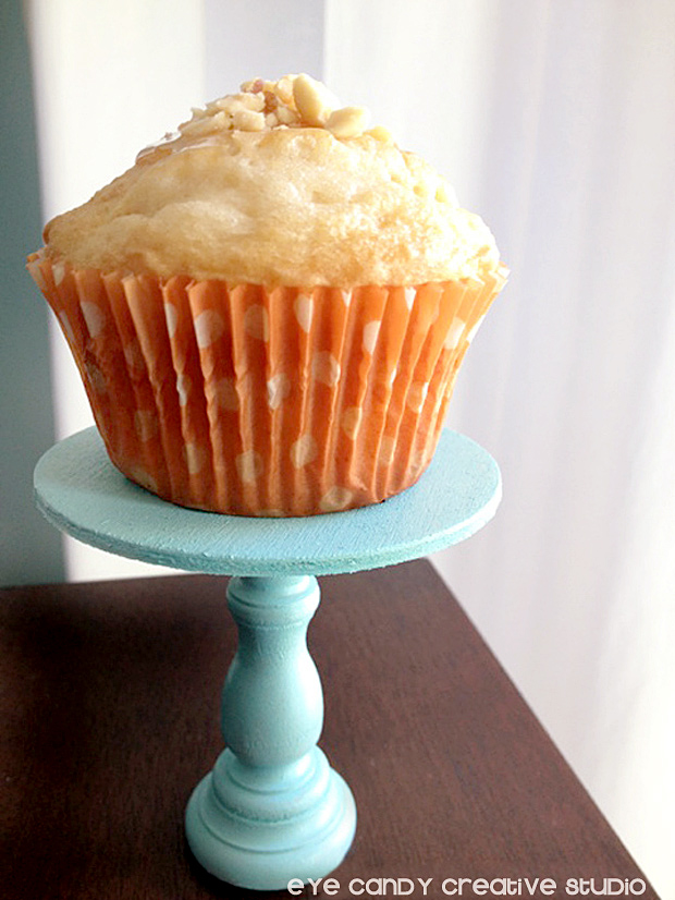 caramel apple cupcake on mini cupcake stand, fall cupcakes, mini stand