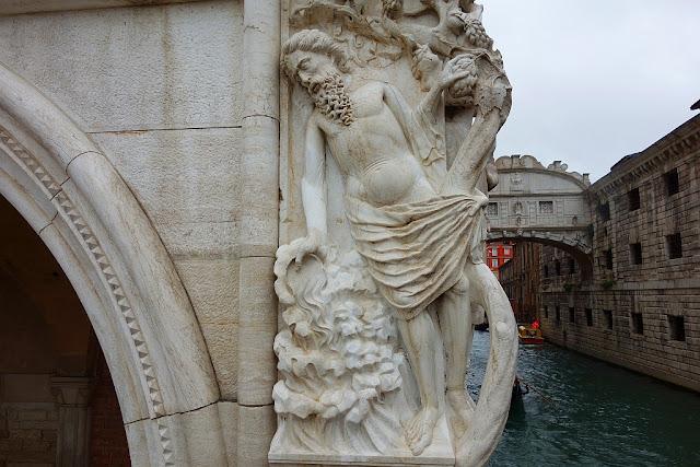 Totátlně opilý Noe v Benátkách, Bible, památky, humor, kam v Benátkách