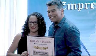 Ângulo Pesquisas entregou o Prêmio de Qualidade Profissional e Empresarial  de 2020 em Registro-SP