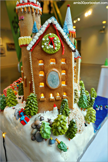 "Casitas de Jengibre en Boston: ""Gingerella's Confectionary Castle"""