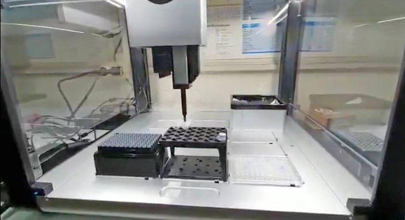 Llega a Chile robot que permite triplicar pruebas PCR
