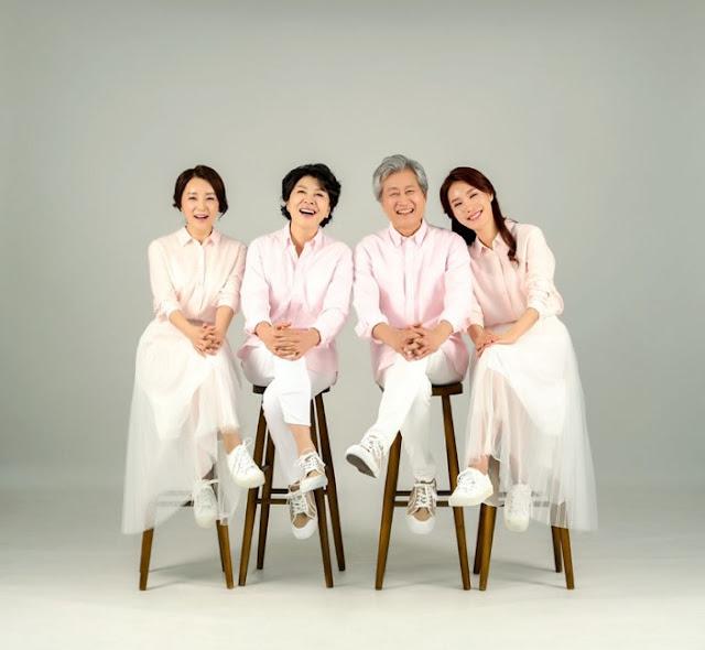 duduk-kursi-pakaian-seragam-putih-keren