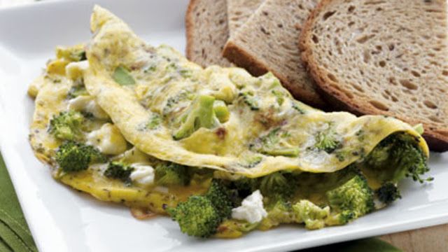 How to make Broccoli & Feta Omelet with Toast