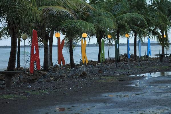Pantai  Tanjung Bunga  Akkarena Makassar