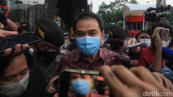 Ahirnya Azis Syamsuddin Ditetapkan KPK Sebagai Tersangka!
