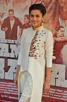 Taapsee Pannu Looks Super Cute in White Kurti and Trouser 10.JPG
