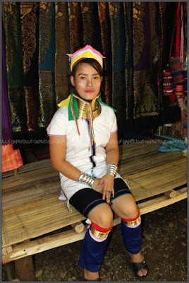 Suku Karen 'Si Leher Panjang' , Thailand Utara