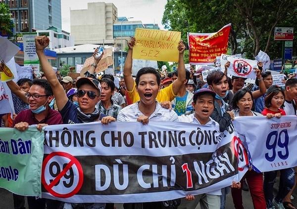Rahasia Kesuksesan COVID-19 Vietnam: Jangan Percaya China