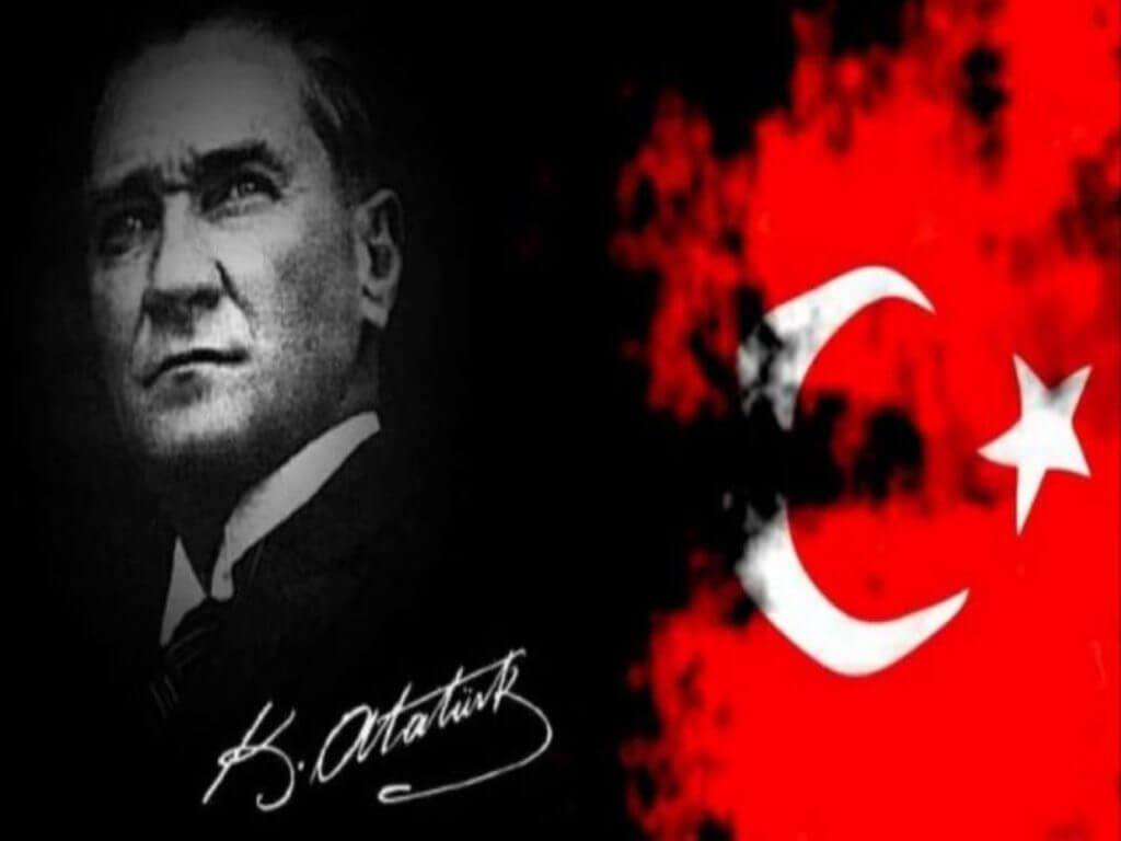 Mustafa Kemal Ataturk menukar turki menjadi sekular