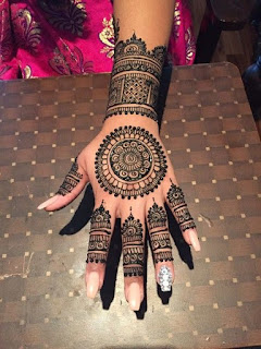 Simple mehndi designs for hands Collection