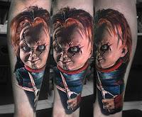 tatuaje para halloween chucky el muñeco diabolico con tijeras