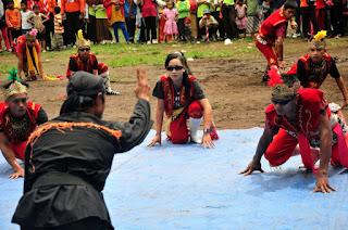 Seram, Inilah 5 Tarian Khas Indonesia yang Membuat Penarinya Kerasukan