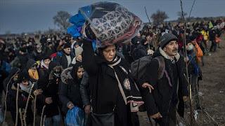 لماذا تفتح تركيا معابرها أمام اللاجئين نحو أوروبا؟ (تحليل)