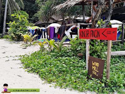 Papan tanda menuju ke Kincir Angin di Pulau Perhentian