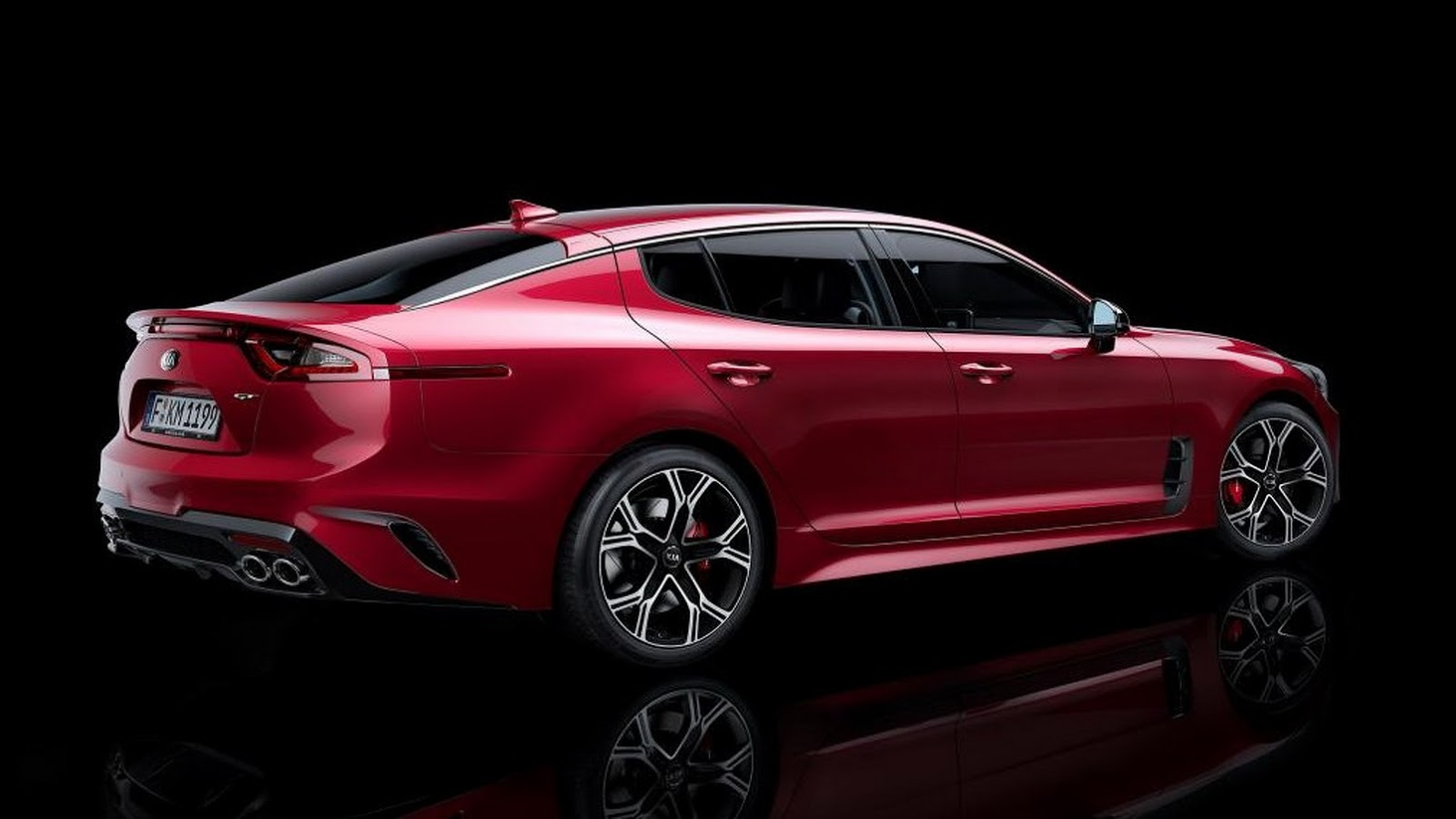 New 2018 Kia Stinger Rwd Sports Sedan Is Going After Bmw S 4 Series Gran Coupe
