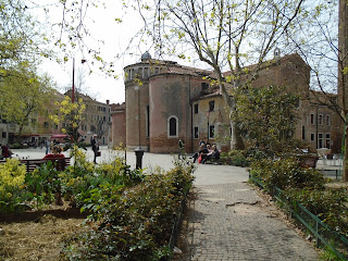 In A Venetian Reckoning we discover that Brunetti lives near the church of San Polo