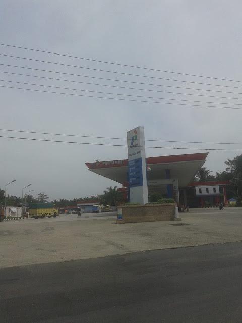 SPBU Simpang Marbau, Kecamatan NA IX-X, Kabupaten Labuhanbatu Utara, tempat Herbert istirahat kehilangan handphone