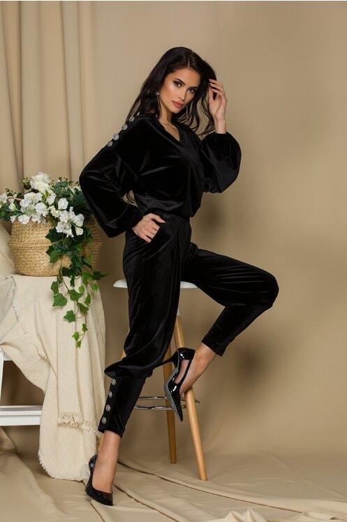 Compleu casual-elegant negru cu nasturi decorativi