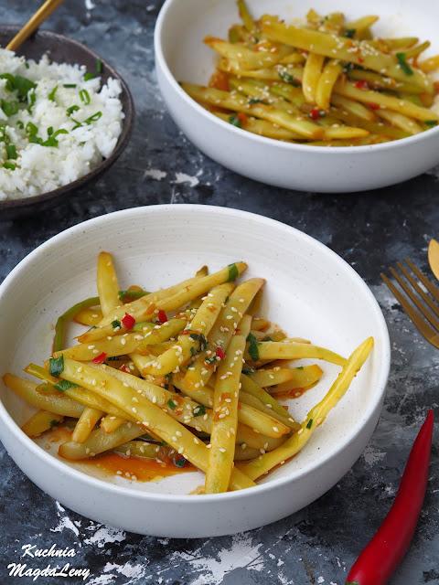 Fasolka szparagowa z chili, imbirem i czosnkiem