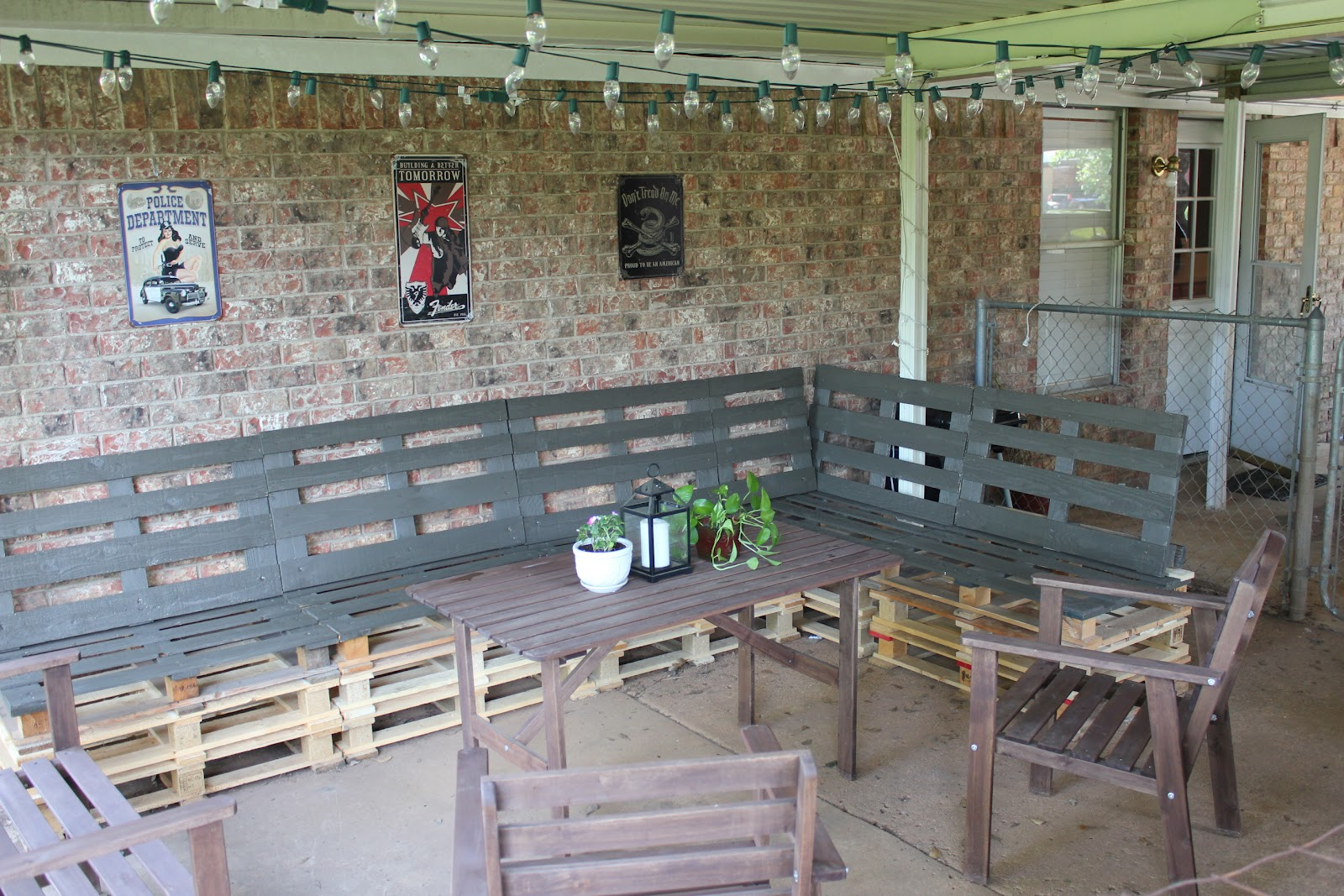 & DIY Outdoor Patio Furniture from Pallets