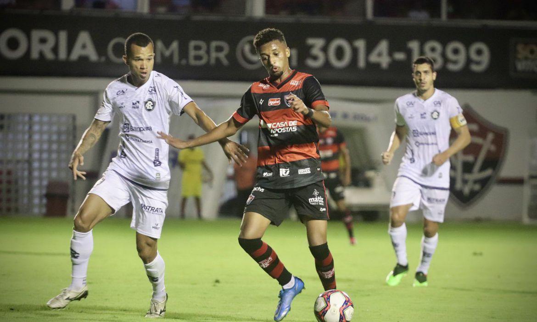 No estádio Barradão, Remo supera Vitória de virada, 2 a 1, pela Série B