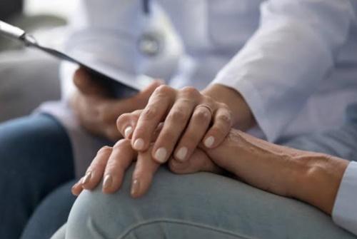 Importância de suporte psicológico para pacientes com câncer de mama