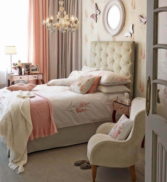Curtains ensure lightness in feminine decorated rooms