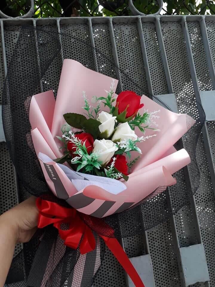 Bó hoa hồng 5 bông nhiều màu