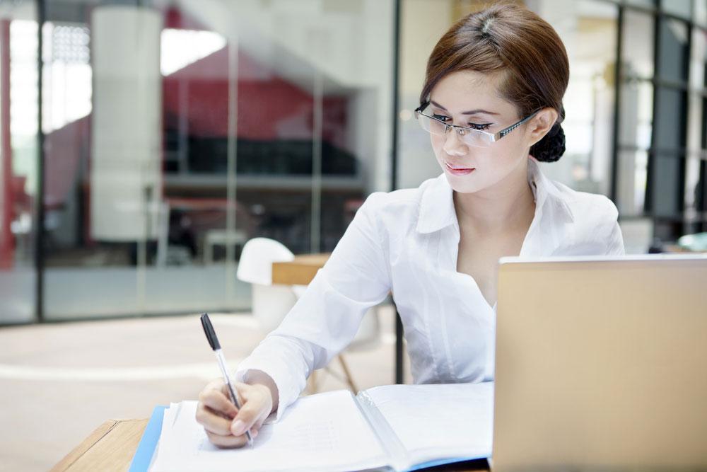 Recherche une secrétaire qualifiée