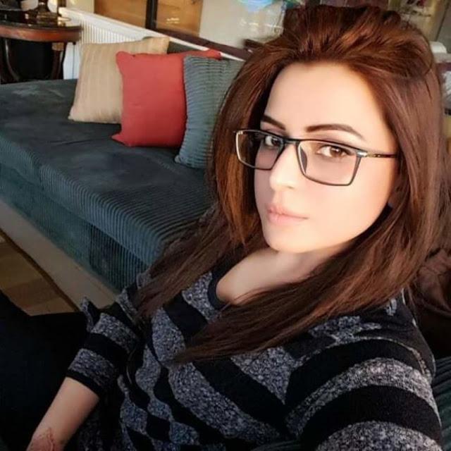 سورية مقيمة في الكويت ارغب في الزواج من شاب عربي او خليجي