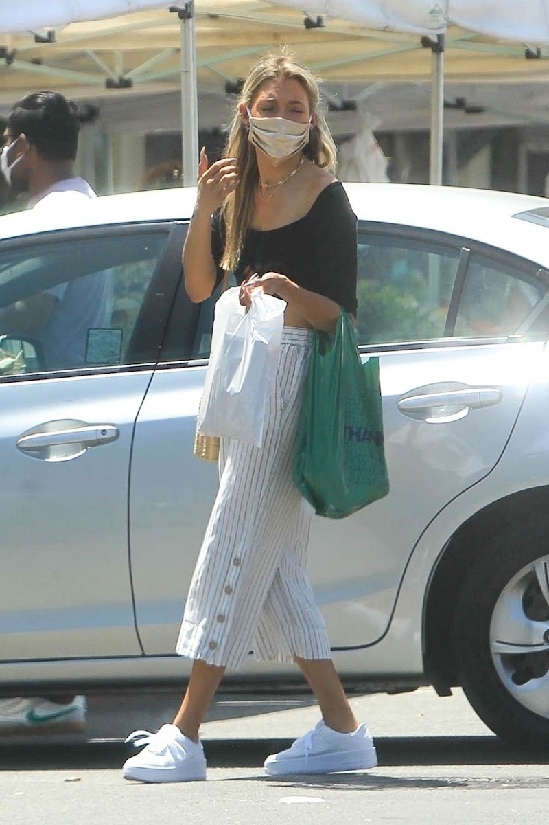 Greer Grammer Clicked While Shopping at Farmer's Market in West Hollywood 2 Aug -2020