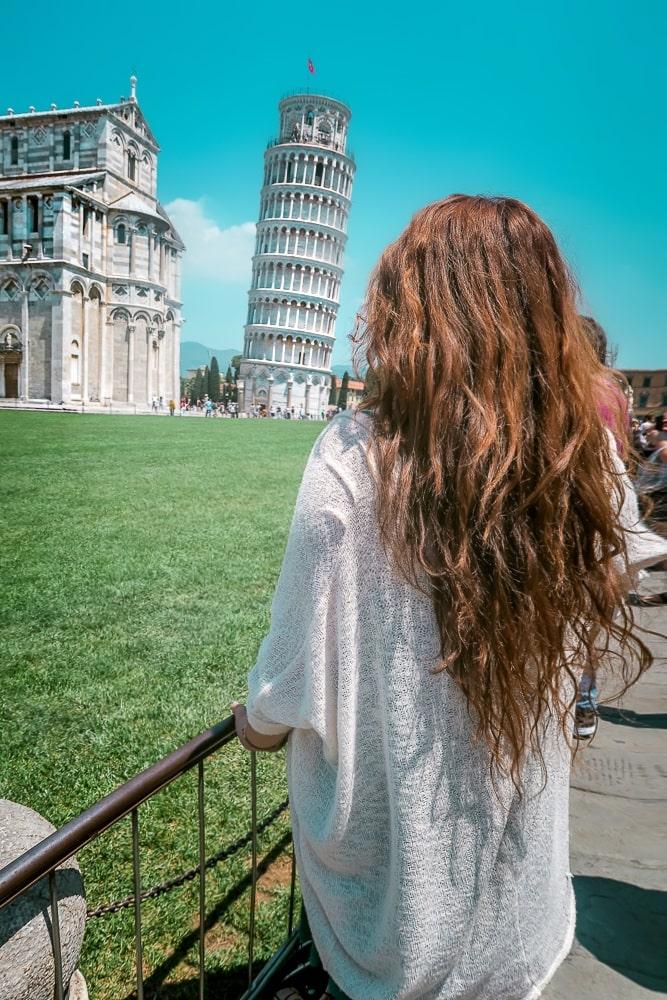 Latina Travel blogger, Latinx Travel, Contiki Europe, Pisa Italy