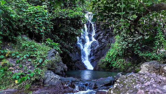 น้ำตกคลองคราม  ความงดงามที่ซ่อนอยูู่ในเขื่อนขุนด่านปราการชล มีความสดชื่นและความบริสุทธิ์ของธรรมชาติมากๆ