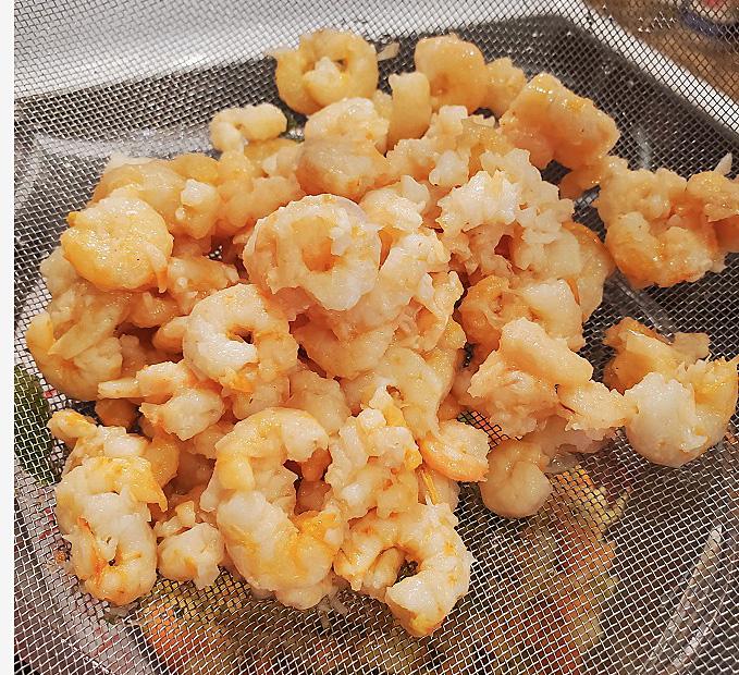 cleaned fresh shrimp