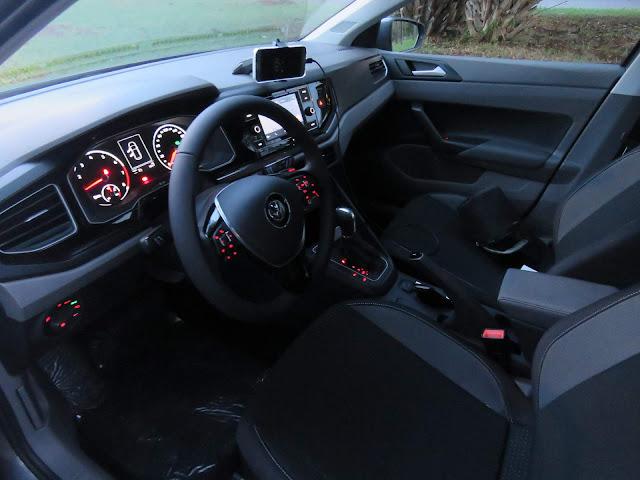 Novo Polo 2018 Comfortline 200 TSI Automático Cinza Platinum